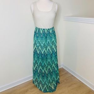 🎉5 for $25🎉 Lily Rose Chevron Maxi Dress